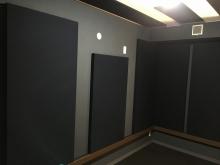 本体工事と一緒にクロスなどの仕上げをしていただきました。 壁パネルを設置し、完成です!