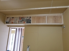 吸排気ダクトボックスを天井に梁型で造作しています。