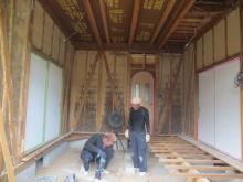 解体作業を行いました。 天井高をできる限り高く確保します。
