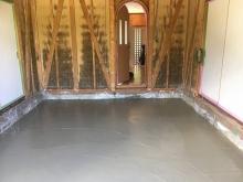 浮き床コンクリート工事です。