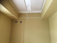 木工事完了です。 天井には弊社オリジナルの吸音パネルを設置しています。