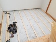 和室の床を張り替えています。