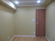 木工事完了です。天井は吸音天井に仕上げています。