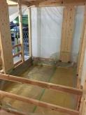 浮き床コンクリートの下地組みにお邪魔しました。