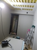 天井と壁の遮音補強が終わりました。 天井を吸音天井に仕上げています。