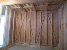 本体工事が進み、弊社の木工事が着工です。