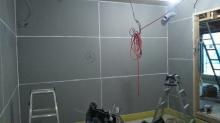 躯体の補強が完了しました。 弊社では第1遮音壁と呼びます。