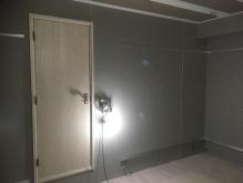 木工事完了です。 入口には木製防音ドアを2重で設置しています。