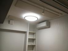 クロス施工完了です。 楽譜棚を設け、エアコン工事も完了しました。
