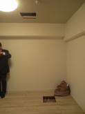 改修前のお部屋です。 天井裏と床下の確認を行いました。