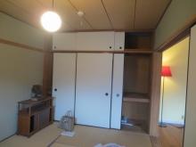 改修前のお部屋です。 既設収納は取り壊してお部屋を広く使います。