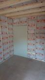 防音室側の壁と天井をつくっていきます。