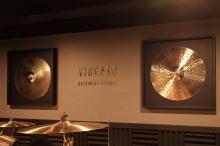 とても格好いいスタジオです。 これからもたくさん音楽を楽しんで頂ければと思います。