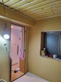 遮音補強が終わり、天井を吸音天井に仕上げていきます。