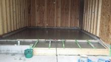 浮き床コンクリート打ちを行いました。