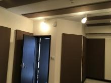 出入り口には木製の防音ドアを2重に設置しています。