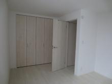 改修前のお部屋です。 収納は取り壊しお部屋を広く使います。
