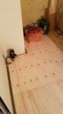 工事が始まりました。 解体工事を行い、浮き床を施工しました。
