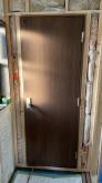 出入口には木製防音ドアを2枚設置しています。 1枚では保証遮音性能が確保できません。