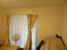 改修前のお部屋です。既設の窓は生かして明るいお部屋に。。。