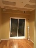 木工事が完了しました。 天井は吸音天井に仕上げています。 クロス施工後が楽しみです。