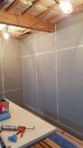 躯体壁と天井の遮音補強をしています。