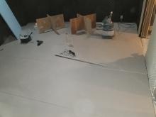 浮き床を施工しました。