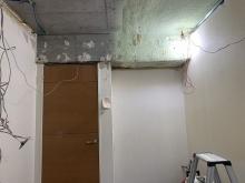 解体工事を行いました。天井高をできる限り確保します。