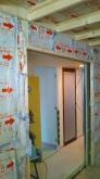 浮き床を施工し、下地を組んで内側にもう一つお部屋をつくっていきます。