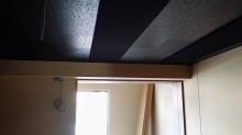 天井を吸音天井にしあげました。 音の響きを調整して長時間の練習でも疲れにくい音響に仕上げています。