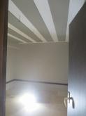 木工事完了です。 天井には弊社オリジナルの吸音パネルを設置しています。 クロス施工後に壁にもパネルを設置します。