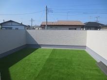 スタジオの屋上にお庭ができあがりました。