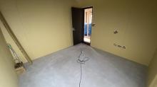 弊社の木工事が完了しました。 出入口には木製の防音ドアを2重で設置しています。