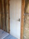 入口には防音ドアを2重で設置しています。