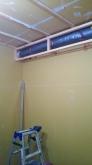 防音処理が完了しました。 天井に梁型で吸排気ダクトボックスをつくっています。