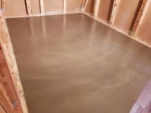 本体工事が進み浮き床コンクリート工事に先に入らせて頂きました。