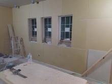 防音室側お壁と天井ができあがってきました。