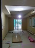 木工事完了です。天井に梁型で給排気ダクトボックスを設けています。 この状態で音テストを行います。