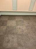 音テストを行い内装の仕上げを行いました。 ドラム室では床をタイルカーペットで施工することでより反響の少ないお部屋に仕上がります。