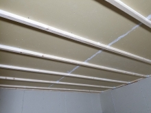 遮音補強完了です。 天井を吸音天井に仕上げていきます。