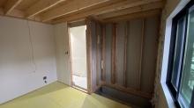 収納も取り壊し遮音補強を行い、再度収納をつくり直します。