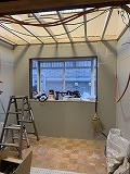 防音室の天井をつくっていきます。