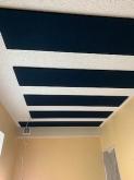 木工事が完了しました。 吸音天井で音の響きを調整しています。