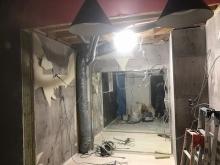 解体作業を行いました。 少しでも広く、高くを目標に計画するため解体できる天井などは解体をします。