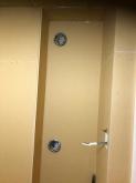 壁の中に給排気ダクトボックスを設けています。防音室は気密性の高いお部屋に仕上がるので給排気は必須です。