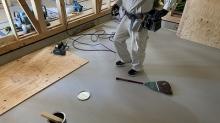 コンクリートが乾き、弊社の木工事が着工です。