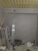 第2遮音壁が完成です。 天井に梁型で給排気ダクトボックスをつくりました。