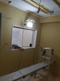 ピアノ室の遮音壁と天井ができあがりました。 天井は吸音天井に仕上げ、音の響きを調節します。