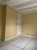 出入口には木製の防音ドアを2重で設置しています。基本的にドアなどの建具は2重で設置します。