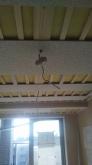 遮音補強後、天井は吸音天井に仕上げています。